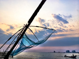 chinese fishing nets fort cochin, kerala