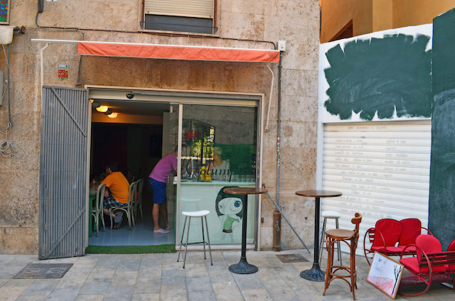 Swing by this Convivial Café in Valencia's Old City