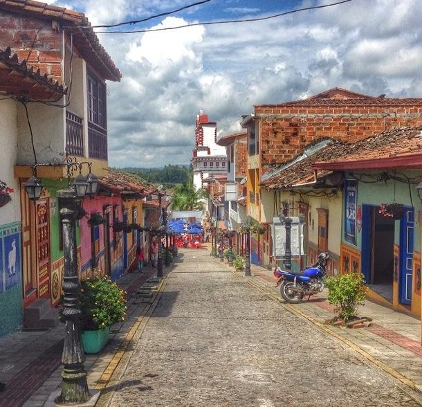14 thurstontaylor An InstaMuse of Medellín