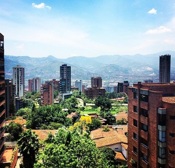 2 nidlemusic An InstaMuse of Medellín