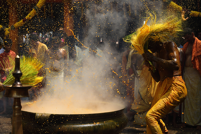 Holi ritual