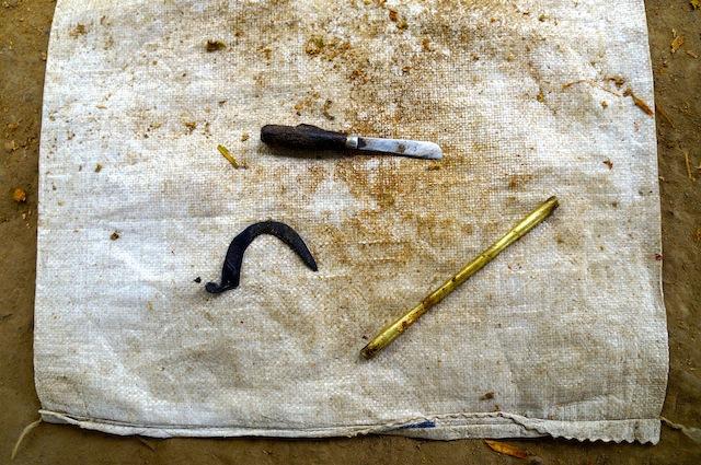 The cinnamon peeler's tools