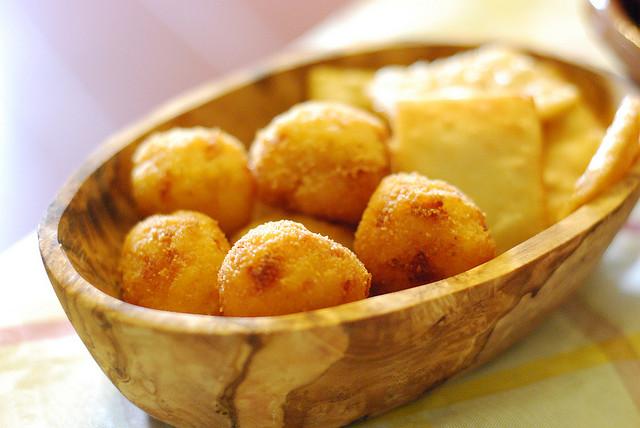 Arancini and frittelle di farina di ceci,