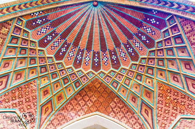 Enterance-Of-Tehran-Grand-Bazaar-Photo by Madi-Jahangir