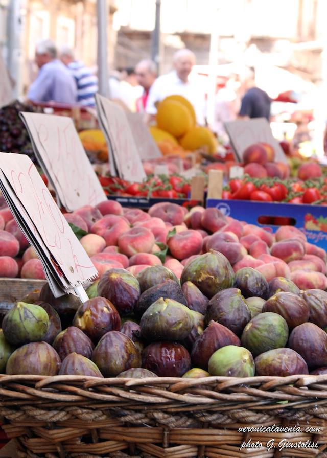 6.Corner of a Sicilian fruit and vegetable market