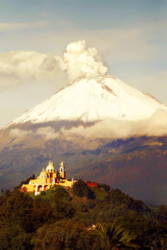Cholula-pueblo-magico-popocatepetl