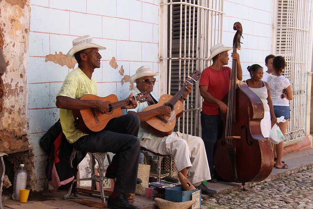 Street_Performers_Trinidad_Cuba