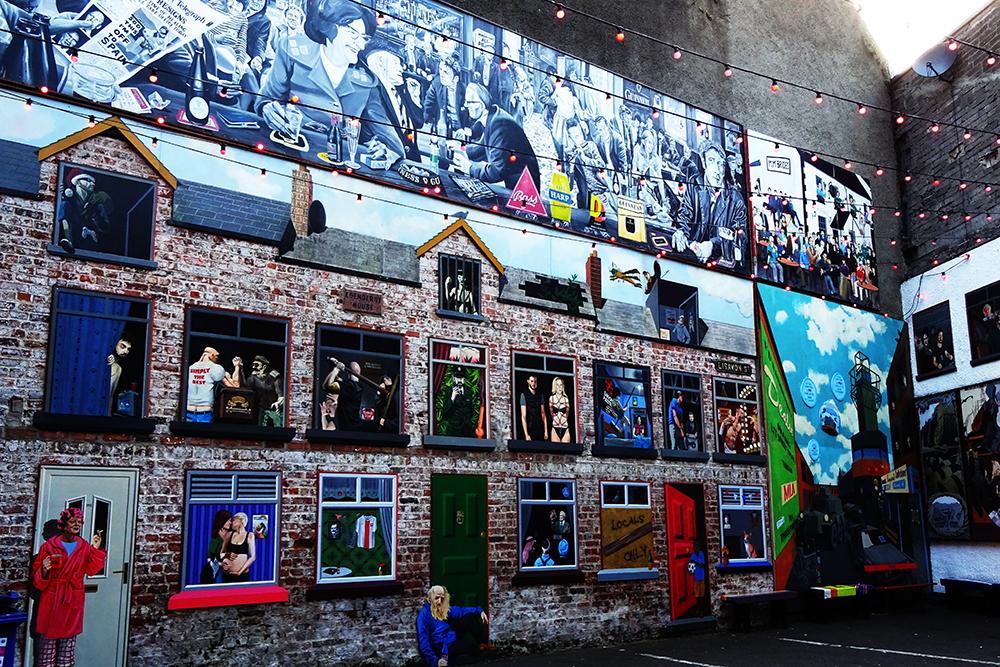 Belfast_Colorful_Bar_Interior
