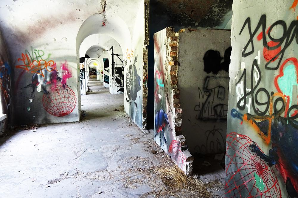 Warsaw_Abandoned_Fortress_Graffiti
